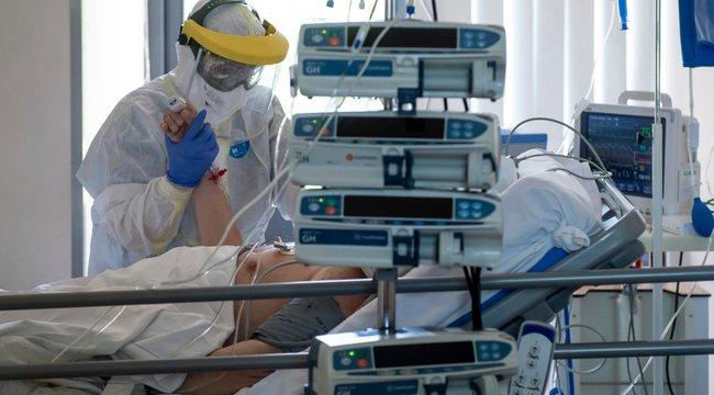 Harmadannyian halnak meg a járvány alatt Magyarországon, mint az EU-átlag