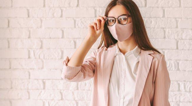 A koronavírus második hulláma -Jobban kell vigyázniuk a szemüvegeseknek