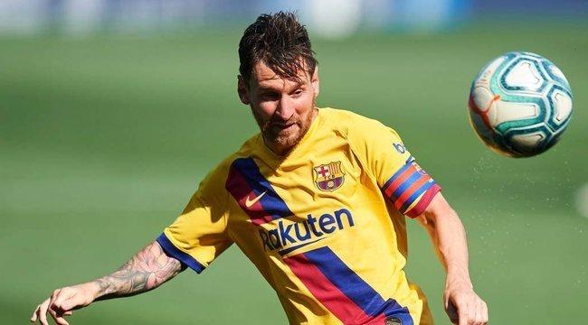 Hoppá! Ezzel a Fradi-védelemmel néz farkasszemet Messi - íme a történelmi meccs kezdőcsapatai