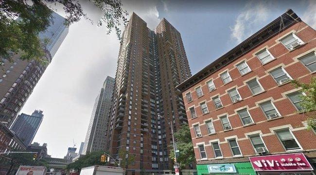 Rejtélyes üzenetet találtak a 20. emeletről a halálba zuhant 13 éves fiú számítógépén - anyja megható sorokkal búcsúzik tőle
