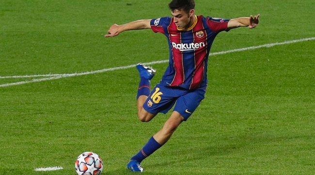 Zacskóval a kezében ballagott az öltözőbe, majd hőssé vált a Barcelona 17 éves focistája