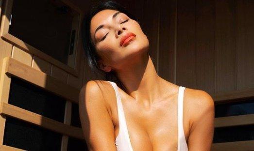 Átázott bikinijében mutatja meg Nicole Scherzinger, hogy kell szaunázni – szexi fotók