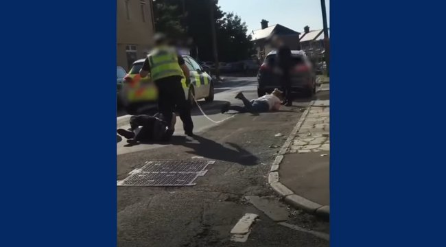 Videón, ahogy a rendőr a nyílt utcán lövi meg a terhes nőt - elment a baba