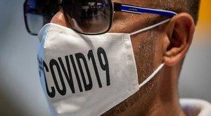 Mától szigorodnak a maszkviselési szabályok - újabb helyeken kötelező eltakarni a szájat és az orrot