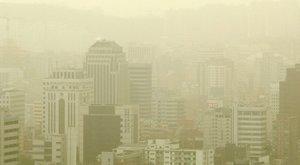 """Kim Dzsongun kijárási tilalmat rendelt el a """"sárga por"""" és a koronavírus miatt"""