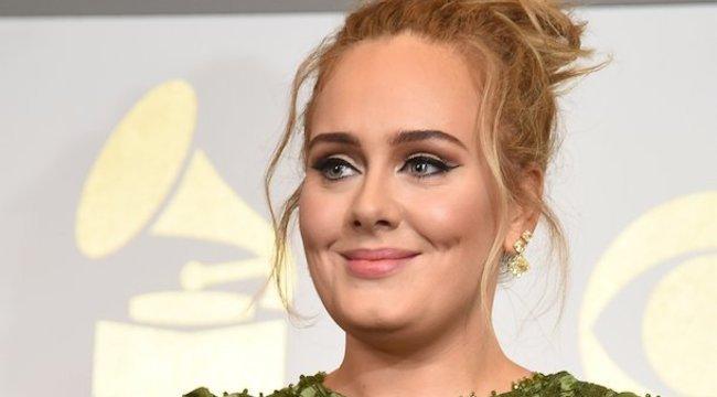 Adele karcsúbb mint valaha – rá sem lehet ismerni! videó