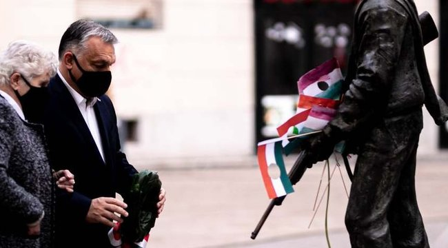 """""""Mi megküzdöttünk a szabadságunkért és nem örökül kaptuk"""" – így emlékeztek a Fidesz politikusai"""
