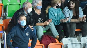 Koronavírus –Már csak maszkban lehet a lelátókon ülni