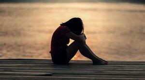 Dabasi horror: nem elég, hogy nem hitt a lányainak, újra ráuszította a gyerekekre az erőszakoló nevelőapát az anya