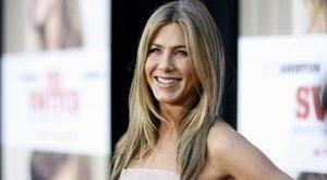 Jennifer Aniston nekiment Kanye Westnek