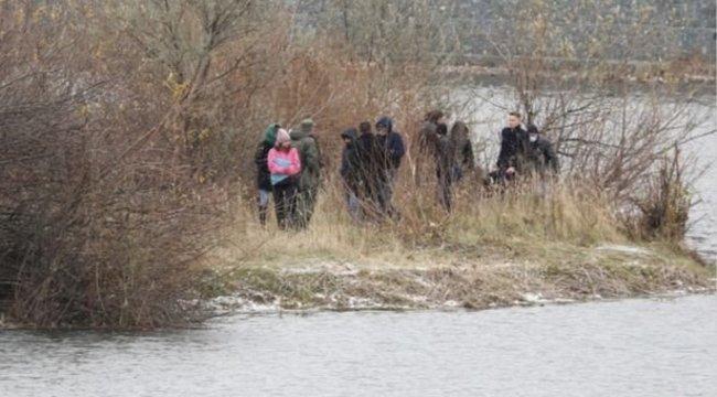 Egy barátjával összeverte, majd egy nejlonszatyorban a folyóba dobta héthónapos kisbabáját a részeg anyuka