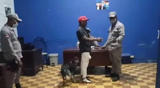Hős eb: kutyája szabadította ki a rendőrségről a férfit – szívmelengető videó