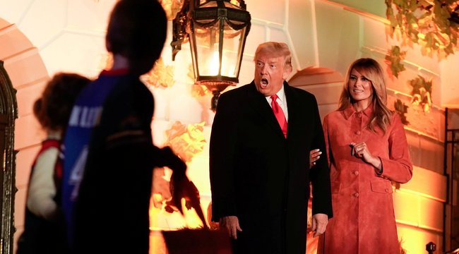 Halloween a Fehér Házban - Gyermekekkel bulizott az elnöki pár