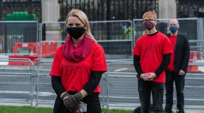 Már a százezret közelíti a napi koronavírus-fertőzöttek száma Angliában