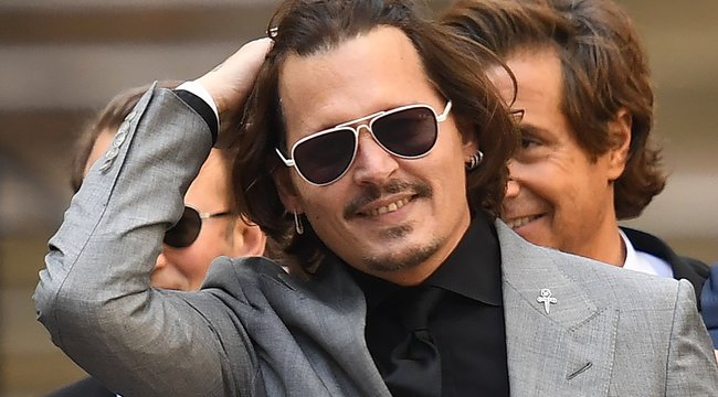 A bíróság kimondta: Johnny Depp nőverő
