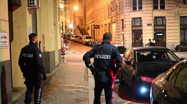 Már két férfi és egy nő a halt bele a bécsi terrortámadásba - a lelőtt merénylő az Iszlám Állam szimpatizánsa volt