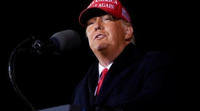 Amerikai elnökválasztás – Donald Trump hívei és bírálói is tüntettek több városban