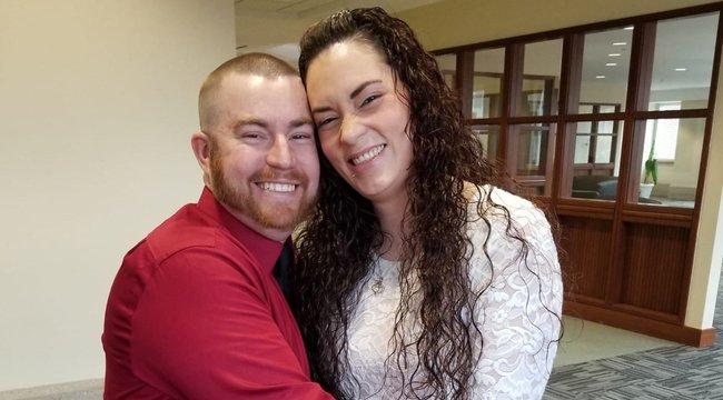 Úgy összekaptak a friss házasok, hogy a férj fejbe lőtte a nejét