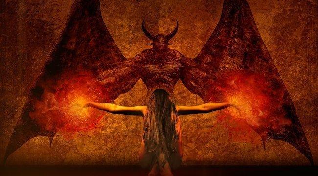 A környékbeliek rettegnek, hogy sátánisták árasztják el a környéket, ha felújítják egy régi okkultista házát