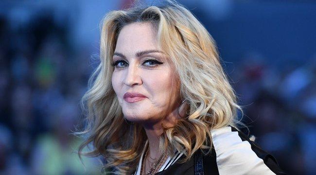Madonna már nagyon unja a karantént: feldobta a talpát és kért még egy üveg bort - Fotó