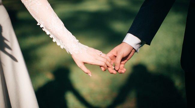 Eltörölte a koronavírus a fiatal pár esküvőjét - de ami ezután történt, az változtatott meg mindent