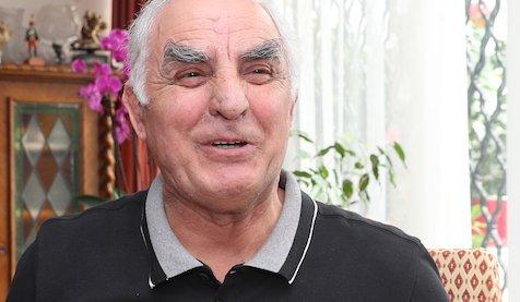 Varga János: Megropogtatnám az unokám csontocskáit