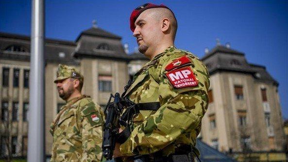 Hétfőtől 93 kórházban lesznek ott a katonák
