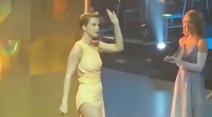 Így rázta a fenekét a bemelegítéshez Osvárt Andrea – lessen be a Dancing with the Stars kulisszái mögé – videó
