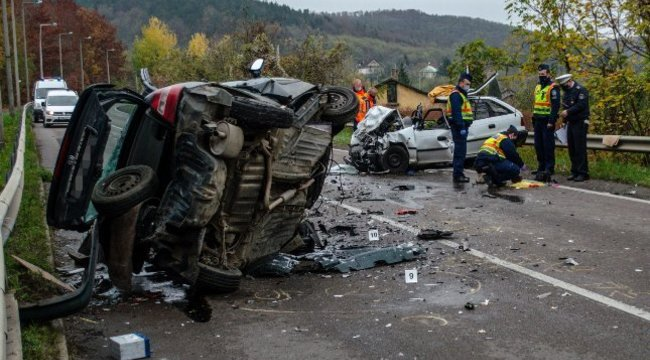 Kórházba menet tartóztatták le a részeg 17 éves Rolandot, aki Salgótarjánnál okozta egy házaspár halálát lopott egy autóval
