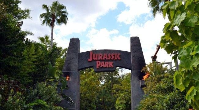 Imádjuk! Ilyen lett volna a Jurassic Park, ha dinoszauruszok helyett vadászgörényekkel forgatják le