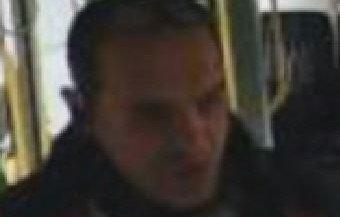 Felismeri? A villamosvezetői fülkéből lopott a miskolci férfi – videó