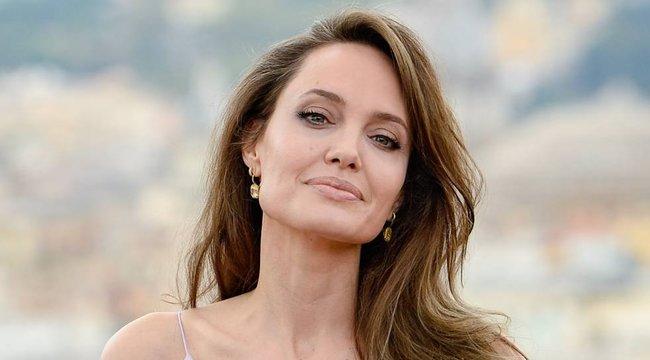 Angelina Jolie belejött a rendezésbe – újabb filmet készít