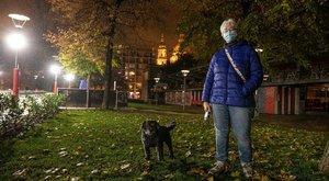 Csak kutyát lehet sétáltatni esténként? Mindenkit érintő kérdések és válaszok a kijárási korlátozással kapcsolatban