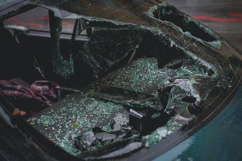 Eszméletlen állapotban száguldott kocsijával Buda utcáin az epilepsziás rohamot kapó sofőr