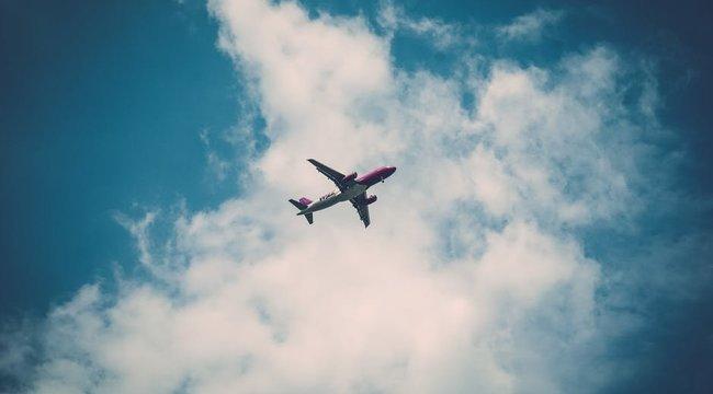 A figyelmeztetések ellenére több mint kétmillió amerikai ült repülőre a hétvégén