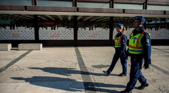 Az elmúlt 24 órában 235-en szegték meg a közterületi maszkviselés szabályait