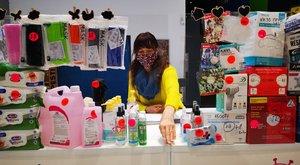 Lebukott: egy plázában árul maszkot Xantus Barbara