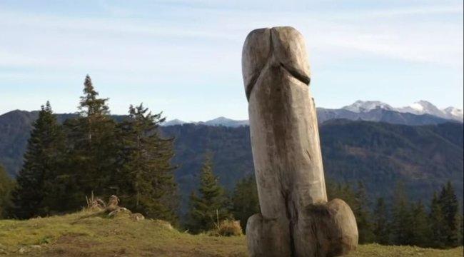 Eltűnt a rejtélyes péniszszobor a hegyről, már a rendőrség is nyomoz