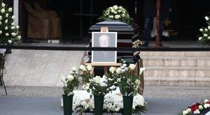 Végigzokogta Benkő László temetését Kóbor János, képtelen volt beszédet mondani