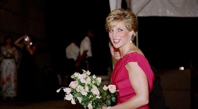 Kiderült Diana hercegné ikonikus frizurájának titka