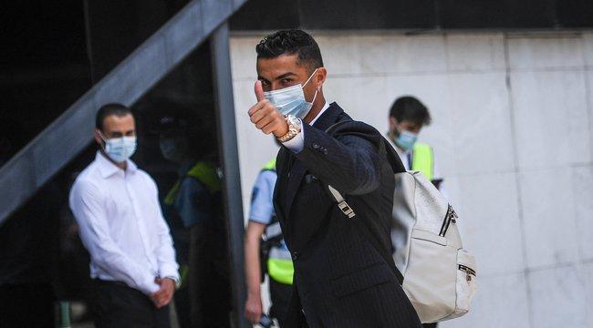 Így érkezett meg Budapestre Cristiano Ronaldo – fotók