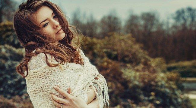 A nők fázósabbak, mint a férfiak: Ennek ellenére Köllő Babett csak látszat kabátokat hord | BorsOnline