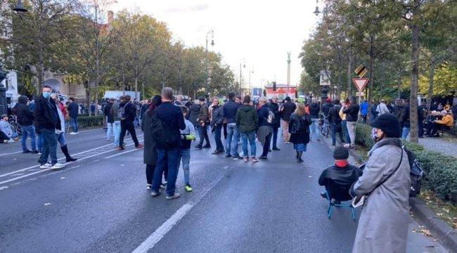 Hont név szerint el tudná mondani, kik voltak az ellenzék tüntetésén