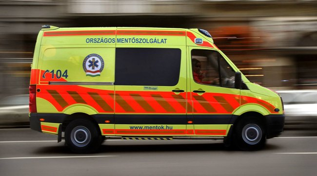 Teljes útzár: durva buszbaleset történt Békéscsabánál