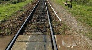 Öngyilkos akart lenni, de túlélte a vonatgázolást