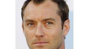 Megskalpolták Jude Law-t