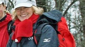 Schmitt felesége az erdőt járja és imádkozik
