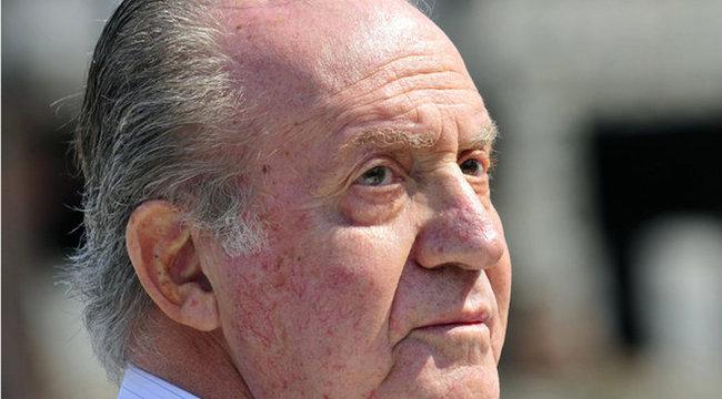 Botrány a királyi családban - 1500 nővel szexelt Károly
