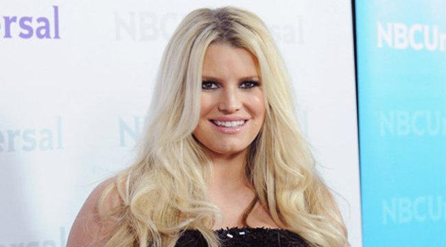 Terhessége évek óta akadályozza a házasodásban az énekesnőt