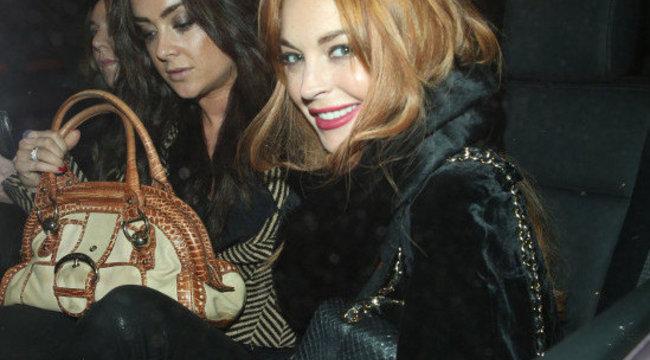 Lindsay Lohan át akarta verni a bíróságot